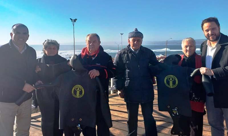Pescadores de Pichilemu reciben trajes de buceo