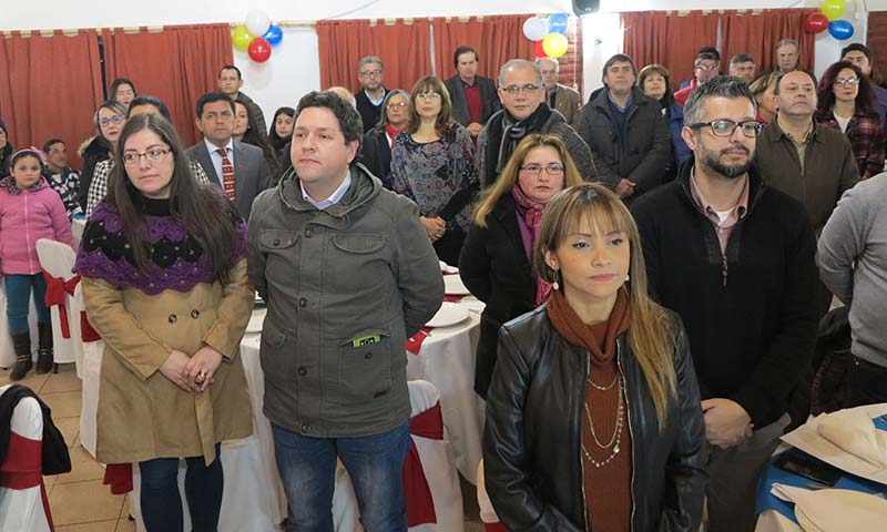 Venezolanos de Santa Cruz reciben homenaje del Rotary Club