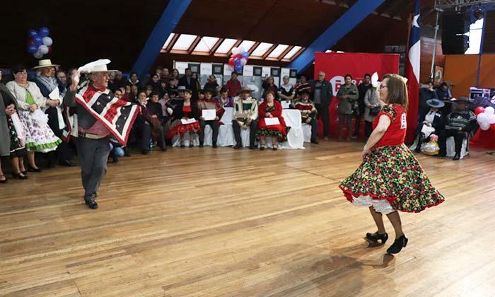 Rancagua ya tiene sus representantes cuequeros adultos mayores