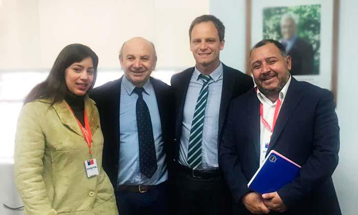 Regularizarán a médicos extranjeros que trabajan Graneros