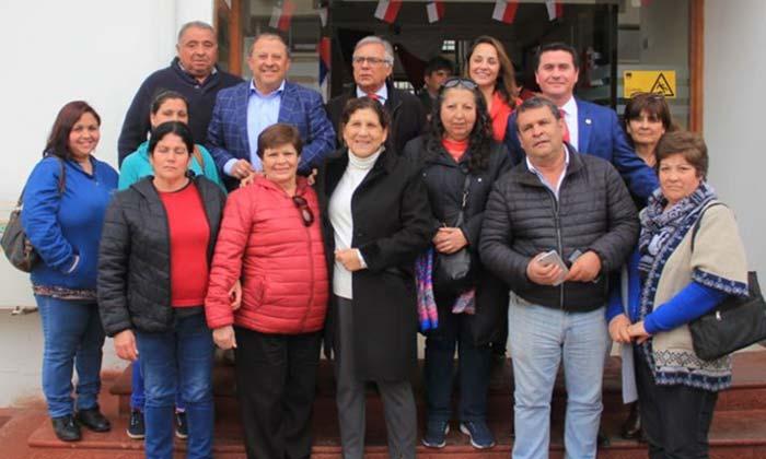 Alcaldesa de Palmilla logra recursos para importantes proyectos