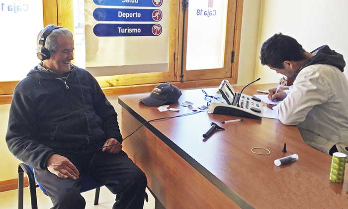 Adultos mayores de Rancagua podrán controlar su salud auditiva gratis
