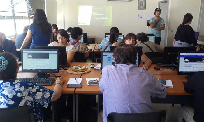 Dirigentes sociales terminan curso de manejo computacional