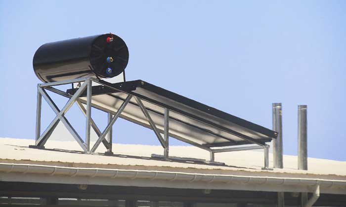 Palmilla: Comenzó instalación de paneles solares en estadio San Francisco