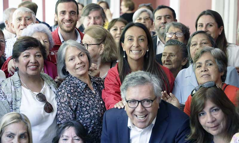 Ministra Cecilia Pérez dialogó con doscientos adultos mayores en Rancagua