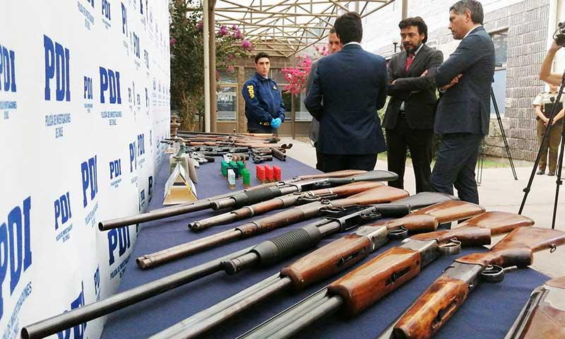 Dron permite desbaratar banda de traficantes e incautar 29 armas de fuego