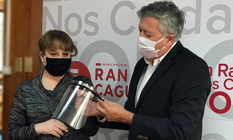 Municipalidad de Rancagua dona 160 escudos faciales a Codegua y Quinta de Tilcoco