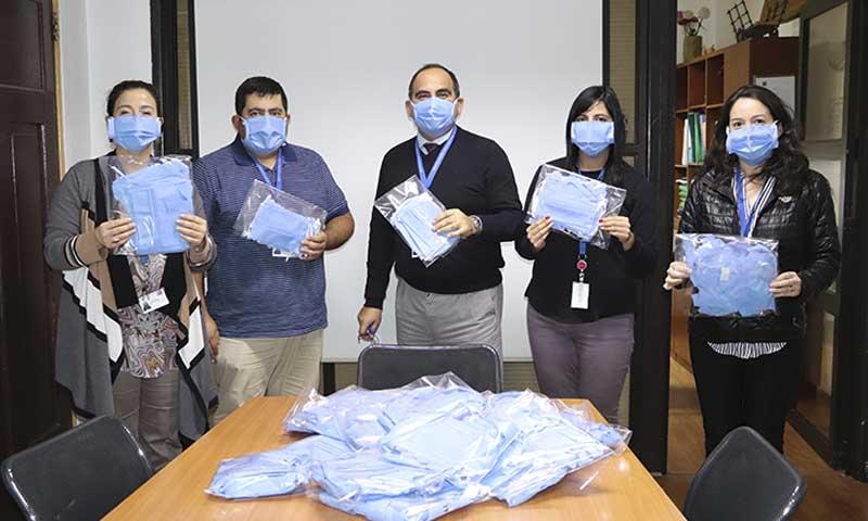 Hermanas benedictinas de claustro de Rengo están apoyando confeccionando mascarillas