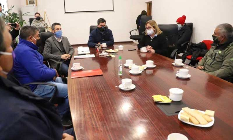 Autoridades se reúnen con agricultores y entregan solución a problemática en terrenos de sector Convento Viejo