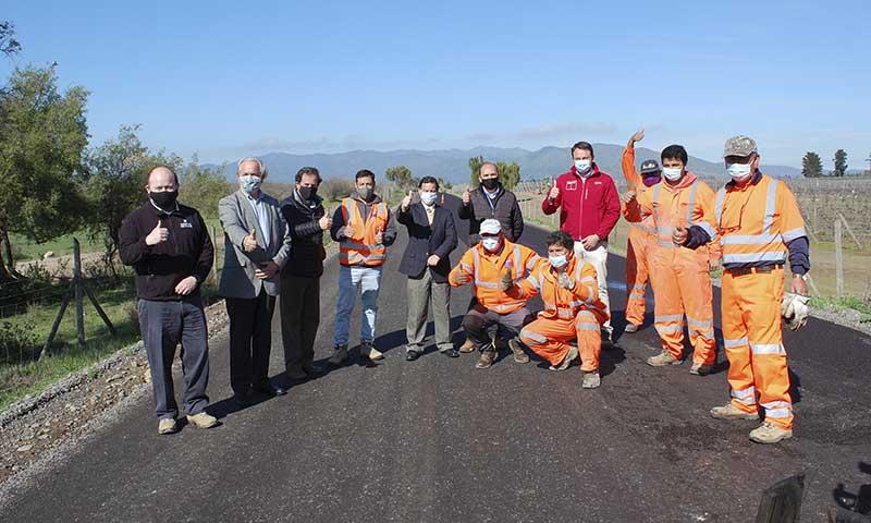 Inspeccionan avance de caminos rurales y anuncia pavimentación 2021 en Peralillo